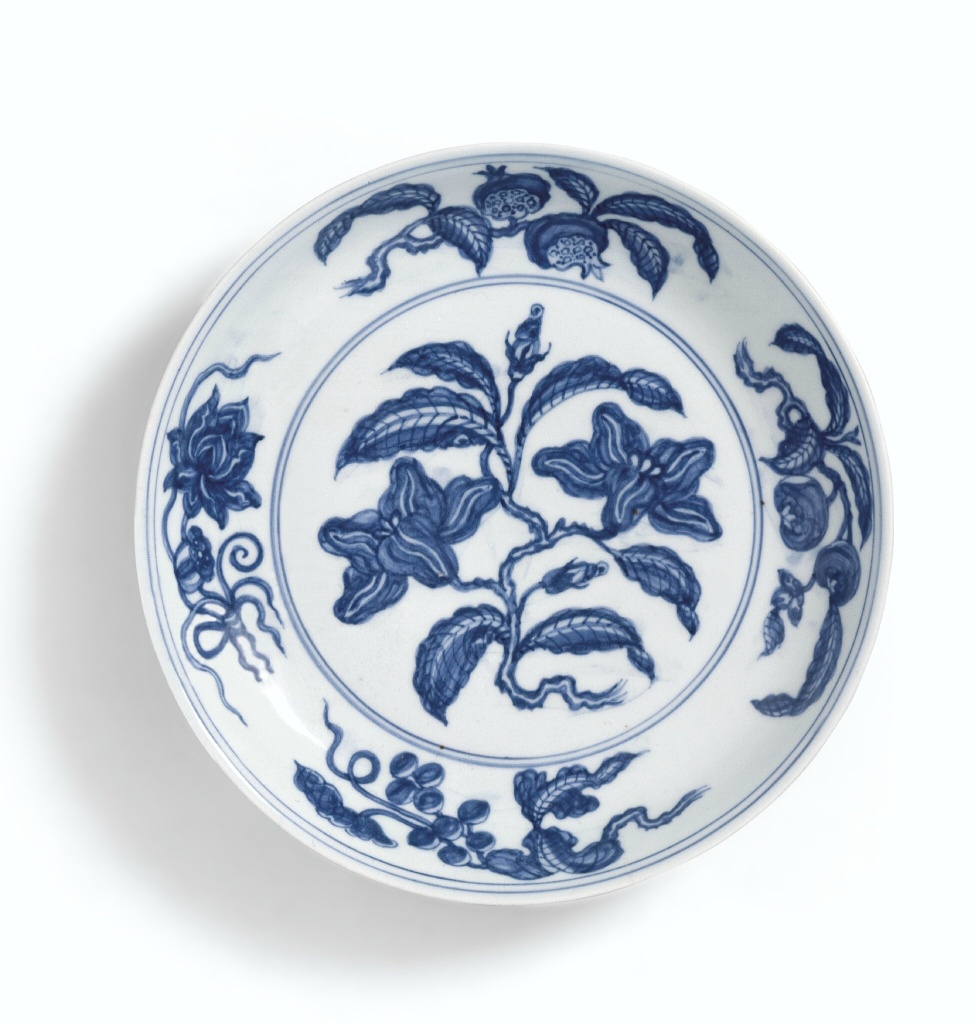 A rare blue and white 'gardenia' dish, Mark and period of Hongzhi (1488-1505)