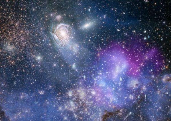 14856709-etoiles-d-39-une-planete-et-galaxie-dans-un-espace-libre