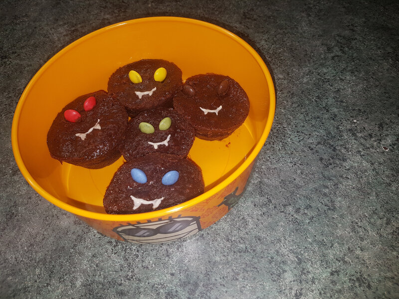 Halloween muffins vampires 31