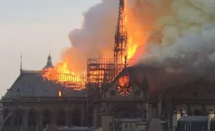 310x190_incendie-cathedrale-dame-paris-declare-18h50-lundi-15-avril-2019