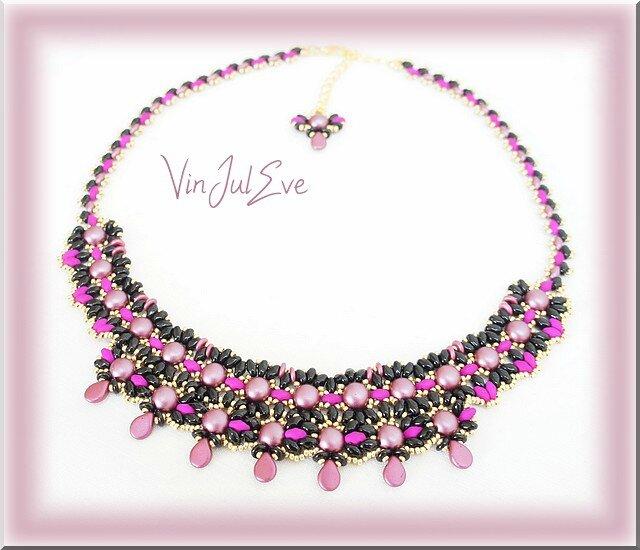 collier Rubi noir rose