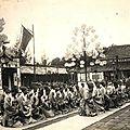 Costume de cour d'annam : tenue des mandarins lors des audiences ordinaires.