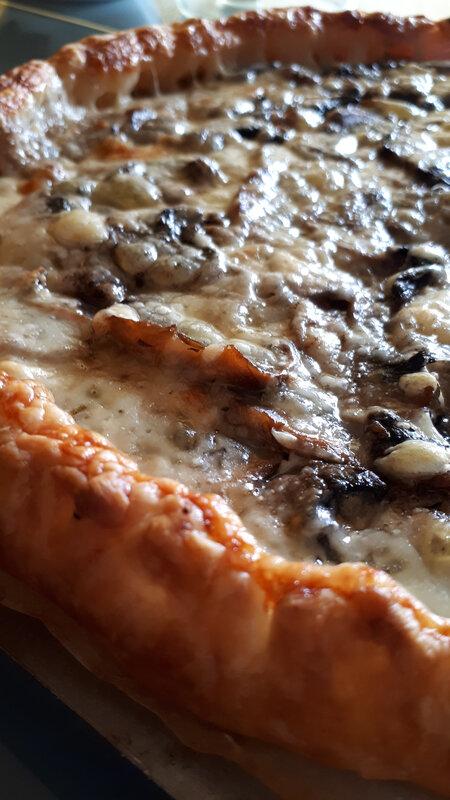 Minis croissants et minies pizzas pour l'apéritif 084