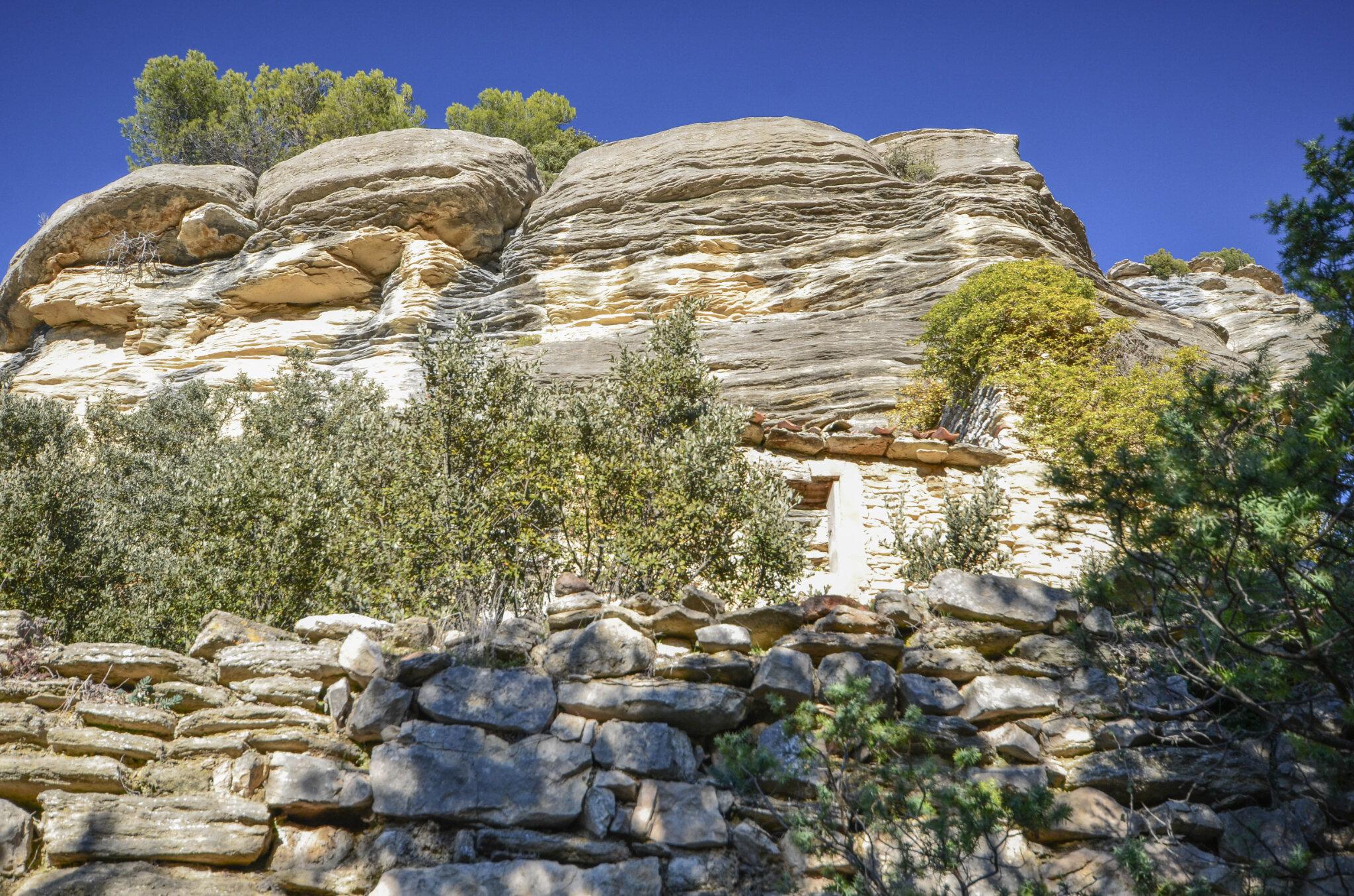 Abris sous roche et habitats troglodytiques