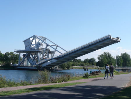 CANAL_PONT_LEVE