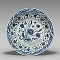 Important blue and white charger, Yongle