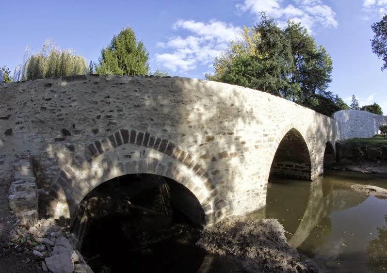 Le vieux pont de La Seguiniere 2