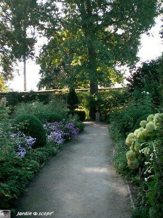 Jardin bouquetier du Château d'Ainay-le-Vieil