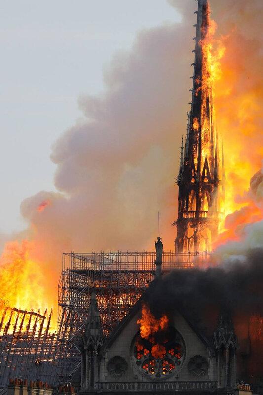incendie-cathedrale-notre-dame-paris-avril-2019