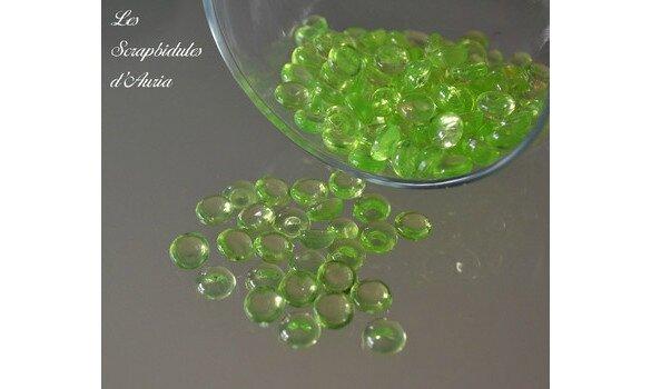 Perles-de-pluie---Vert-265-2-big-1-www-lesscrapbidulesdauria-kingeshop-com[1]