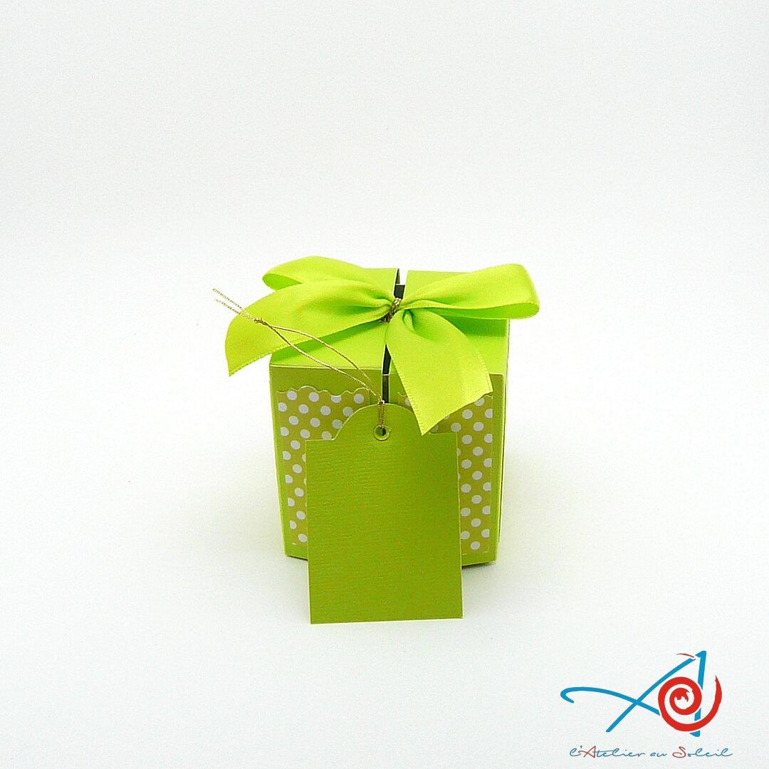 Carte-écrin cube surprise vert anis ruban