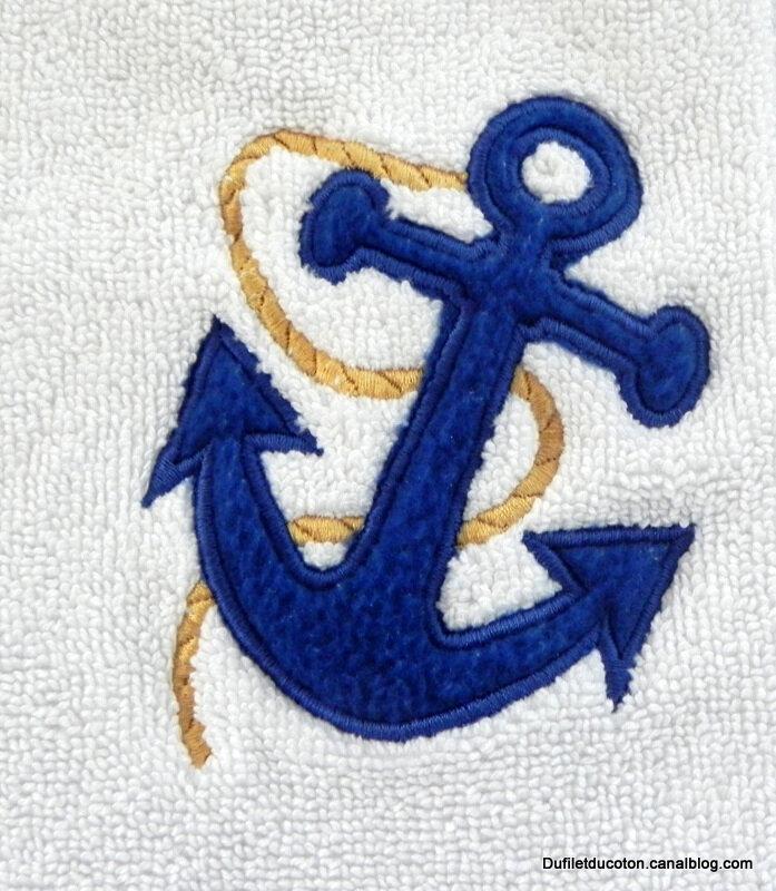 ancre marine avec cordage