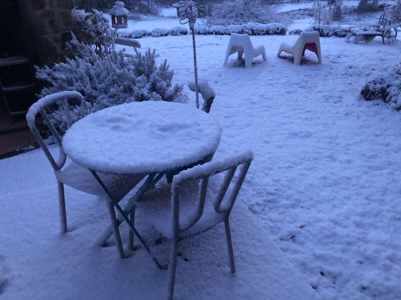ardeche-snow-Christmas-table-Noël-paysage-home-ma-rue-bric-a-brac