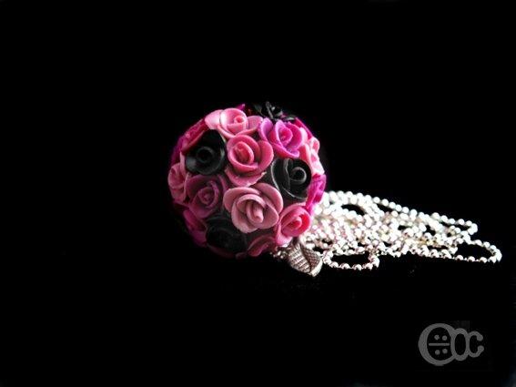 Sautoir boule roses camaïeu rose+noir