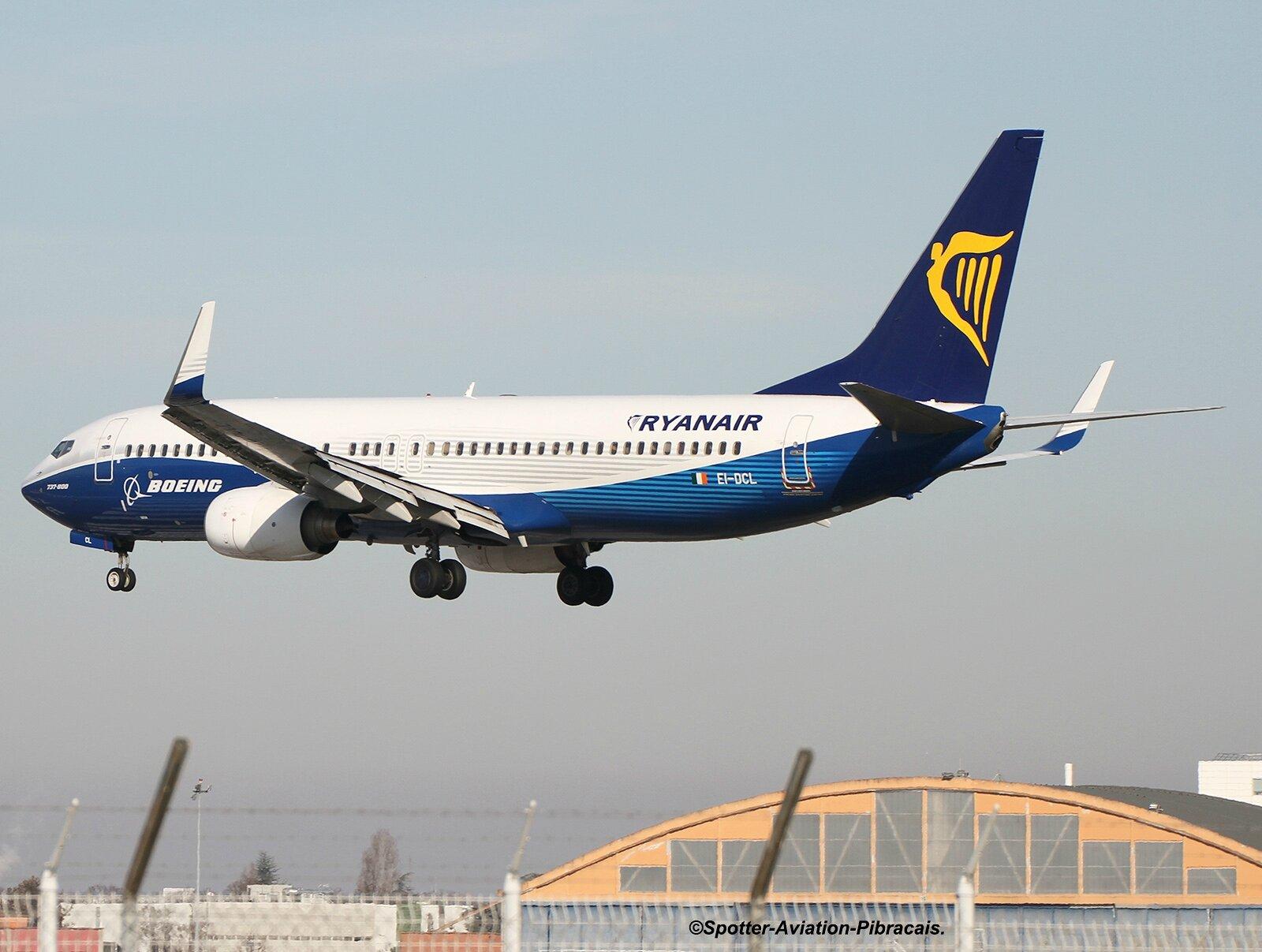Ryanair (DREAMLINER)