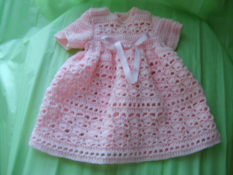 Robe rose au crochet
