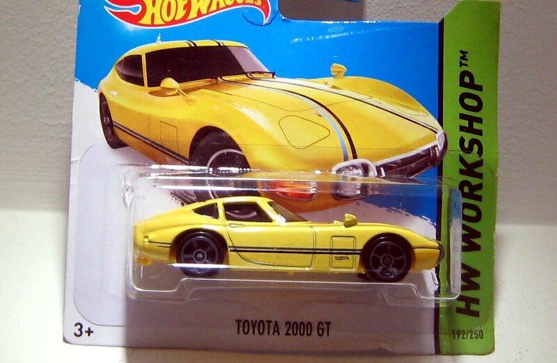 Toyota 2000 GT (Hotwheels 2014) 01