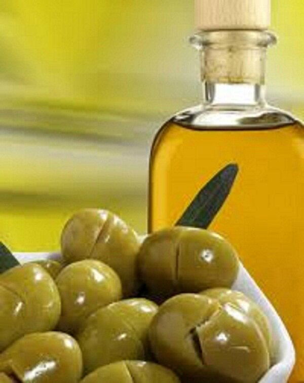 Olives vertes fendues en saumure
