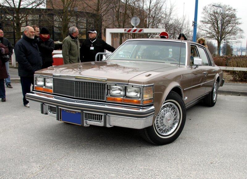 Cadillac seville 4door sedan de 1978 (23ème Salon Champenois du véhicule de collection) 01