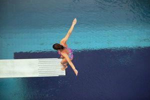 le-plongeoir-de-piscine-pour-un-ete-plein-d-action-_600