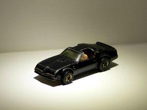 Pontiac firebird (Hot bird) de chez Hotwheels 01