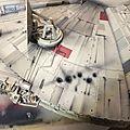 Deagostini MF 476 Je m'attaque ensuite à ce pan. Les impacts sont fait d'abord au German Grey puis je viens foncer le centre avec du Tamiya Smoke..