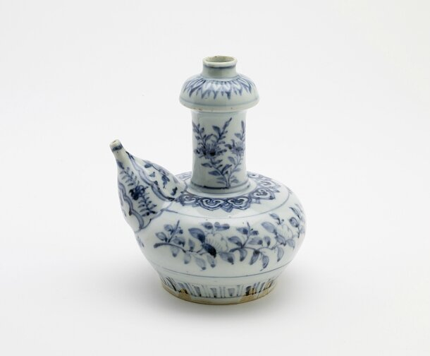 Blue-and-White Kendi, late 15th century, Ming dynasty (1368 – 1644)