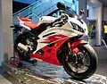 120px-Yamaha_YZF_R6_2006_red