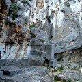 Bateau dans la pierre