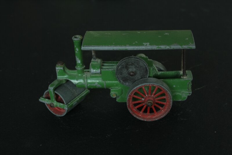 Y11-1_Aveling and Porter road roller_01