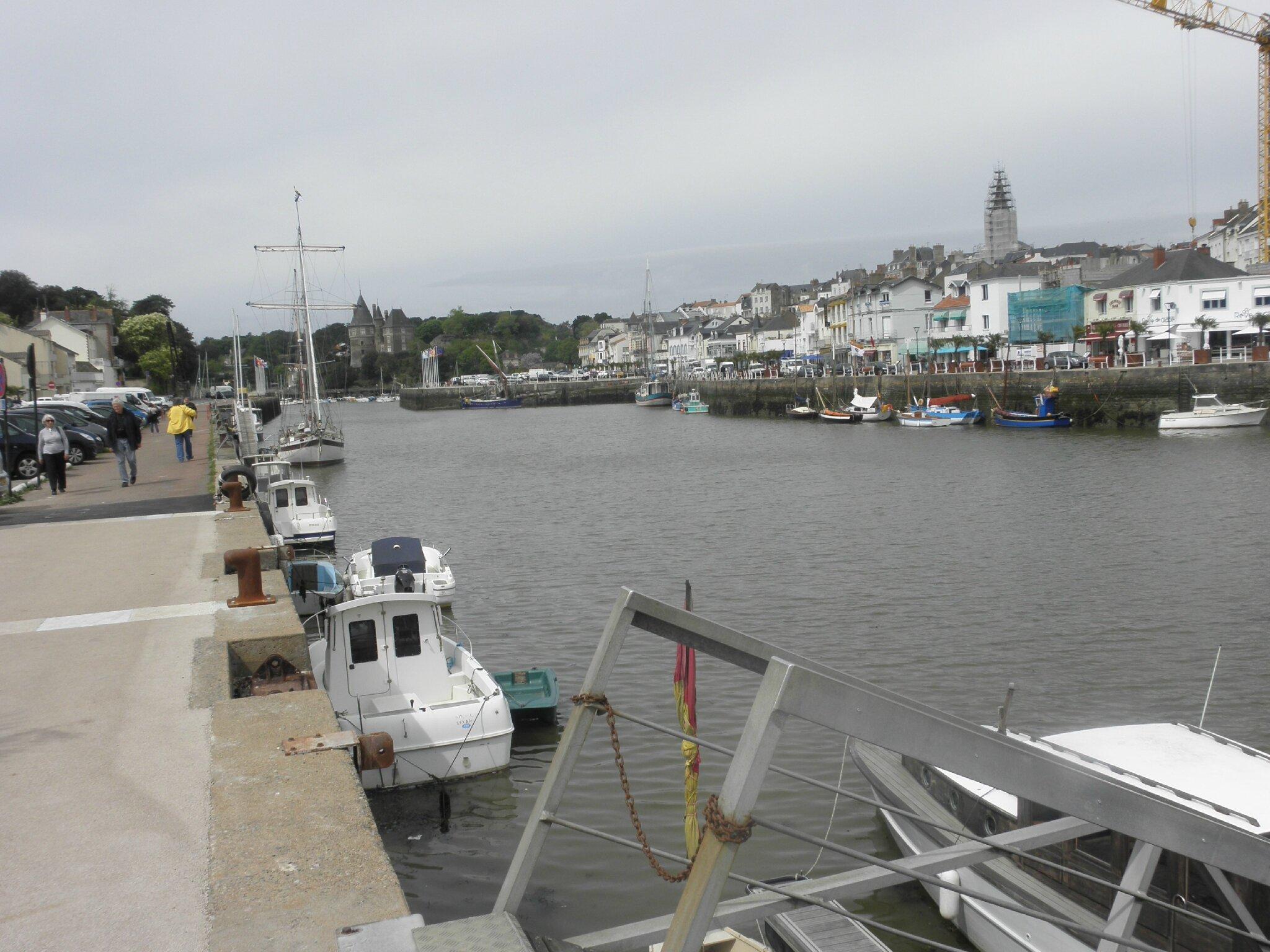 Pornic, le port, son château où à vécu Gilles de Rais allas Barb bleu au quinzième siècle.....