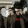 Picture of the indie alternative rock band proxima on the champs elysées (2013), paris