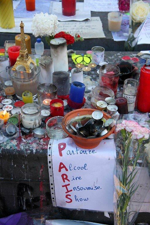 Hommage attentats Répu 13-11-15_5706