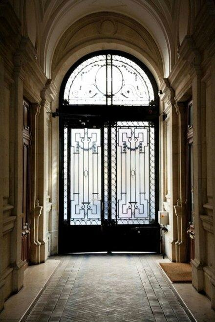 ines-fressange-ouvre-portes-grand-appartement-L-RZac19