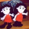 Deux petites poupées pour un grand voyage