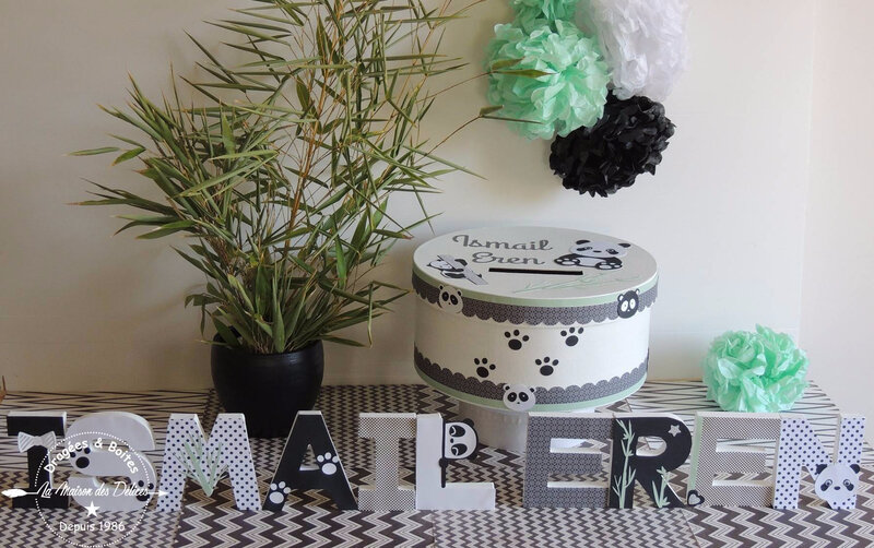 lettre prenom decoree boite souvenir bapteme theme panda noir blanc vert mint pompon