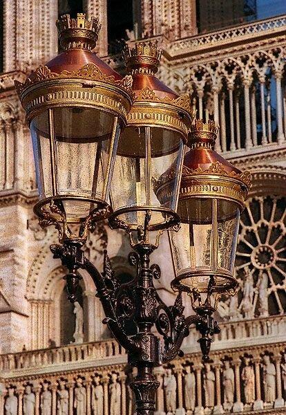 Notre Dame Lampadaires