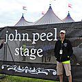 Judi et jonathan badger, des anglo-normands sur john peel stage / festival de glastonbury