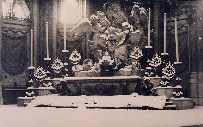 vues-interieures-de-la-cathedrale-sous-la-neige-hiver-1944-1945-_img (1)