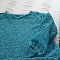 Un pull oversize turquoise