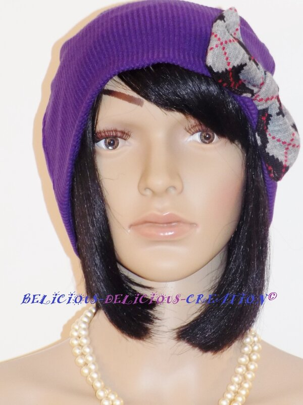 beanie hat voilet with bow in front