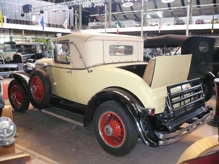 GRAHAM PAIGE Model 621 roadster 1929 Bruxelles Autoworld (2)