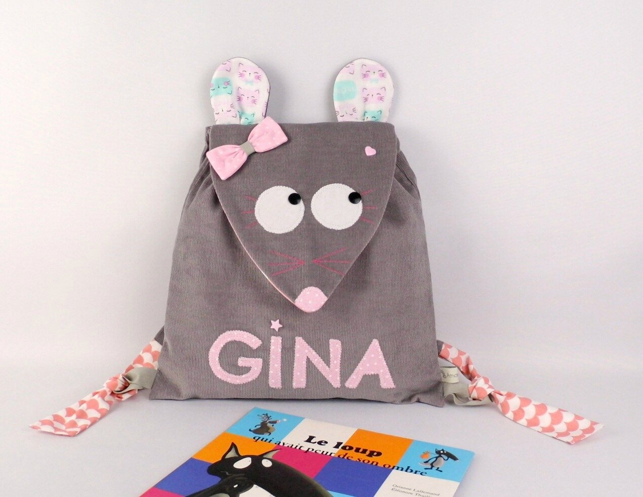 Sac à dos souris prénom Gina gris rose sac fille école maternelle personnalisable kindergarten backpack mouse grey pink personalized name