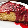 027 gâteau léger à la ricotta et son coulis de fruits très rouge