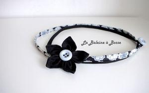 collier liberty et coton noir fleur japonaise noir coeur bleu gris