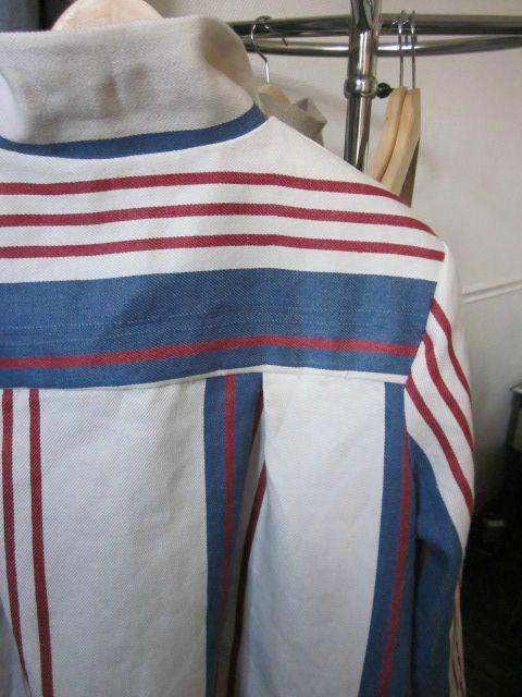 manteau d'été en lin rayé écru, navy et rouge (8)