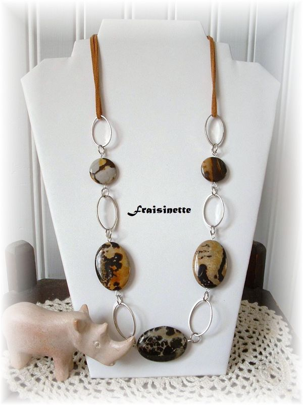 Collier_Safari