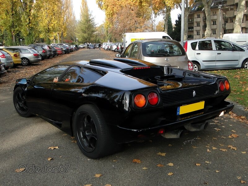 Lamborghini-Diablo-SV-b