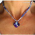 Collier Swarovski croix bleu roi