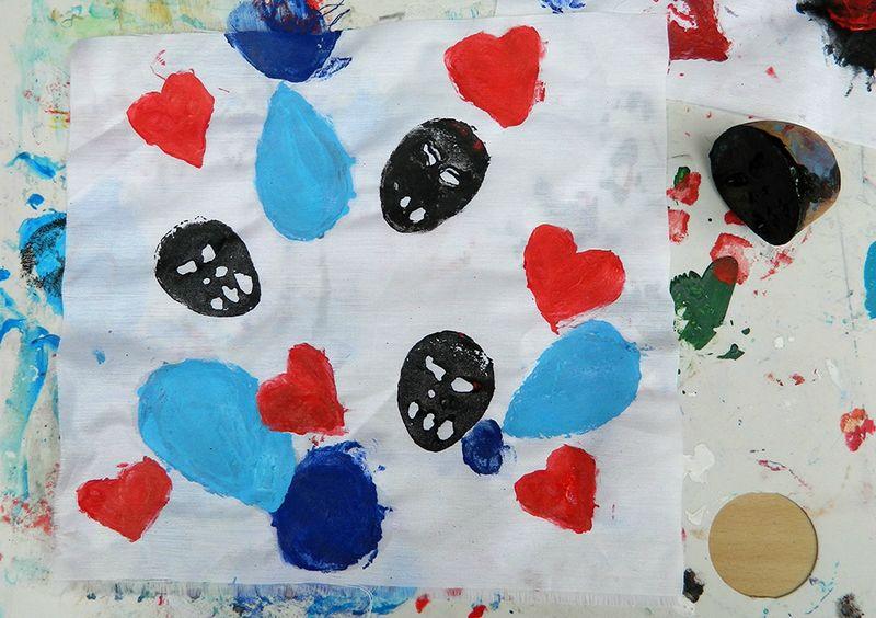 activité enfant,tampon,tampon sur pomme de terre,centre de loisirs,fête des pères,cadeau fête des pères,set de table,DIY,tuto,enfants,peinture textile 6 blog